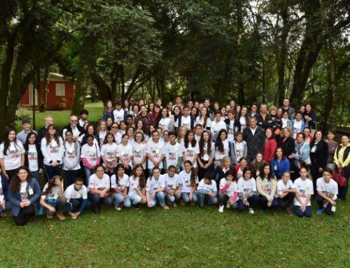 Oficinas do Repórter na Escola reúnem mais de 100 participantes, de 10 cidades da Região Oeste em São Lourenço.